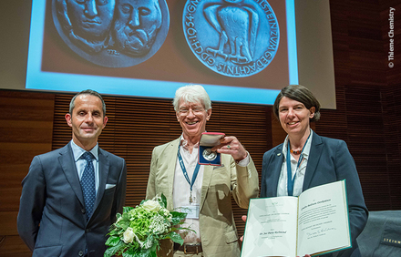Joe Richmond receives Gmelin-Beilstein Memorial Medal 2016