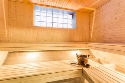 krampfanfall beim saunagang klinik via medici. Black Bedroom Furniture Sets. Home Design Ideas